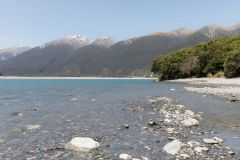 Am River Haast, NZ